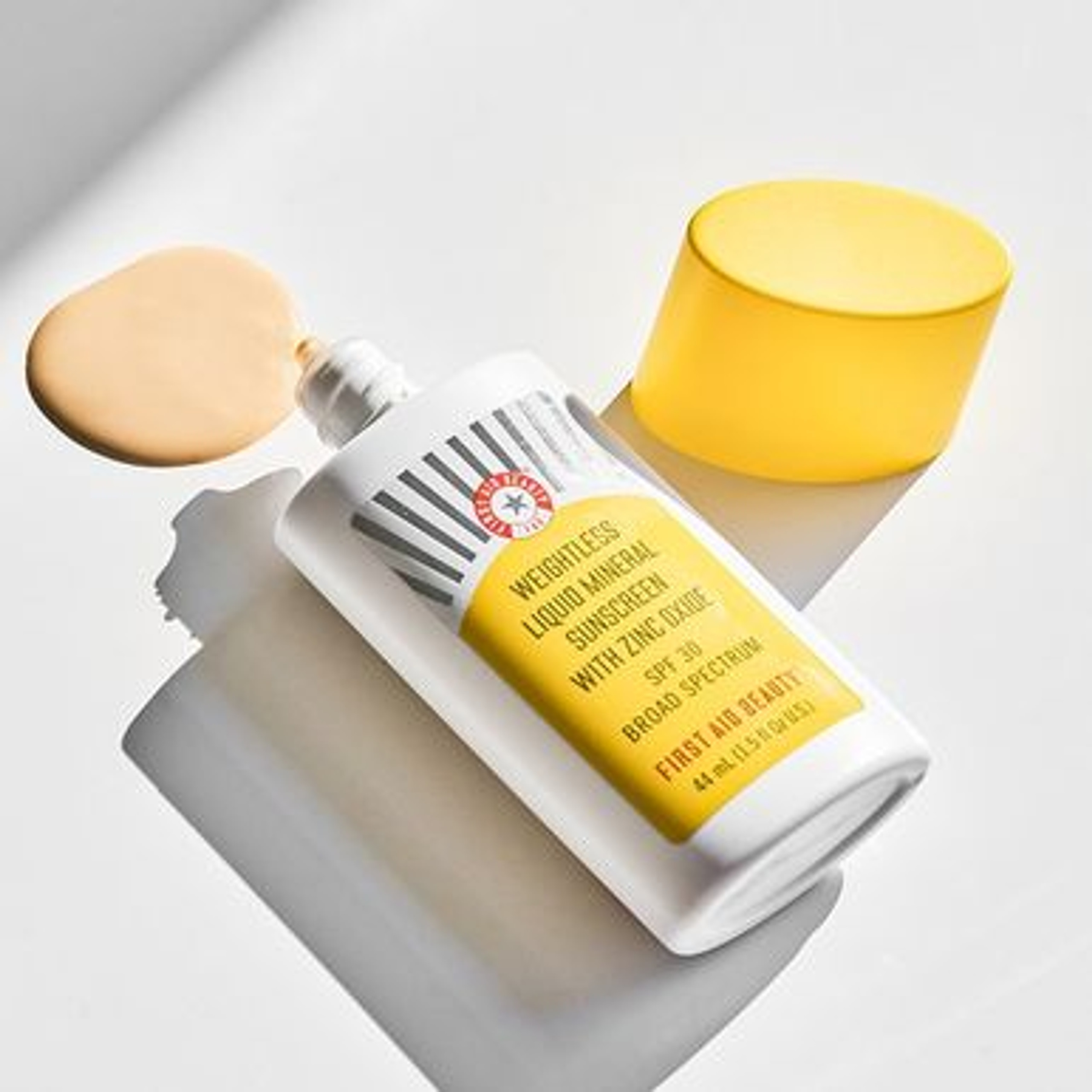 null - Weightless Liquid Mineral Sunscreen with Zinc Oxide SPF 30