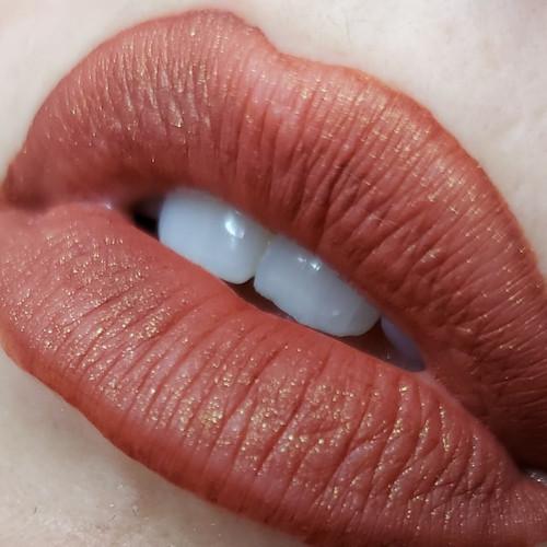 Mojo - Mojo liquid lipstick (LE)