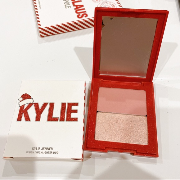 Kylie Cosmetics - Kylie HOLIDAY 2019 BLUSH & HIGHLIGHTER DUO
