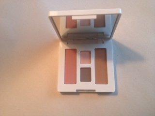 null - Clinique Eyeshadow/Bronzer/Blush Travel Palette