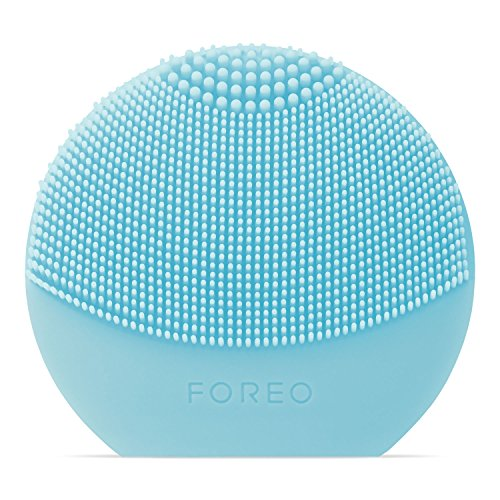 FOREO FOREO LUNA play plus: Portable Facial Cleansing Brush, Mint